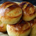 how to bake pinagong or pan de monay